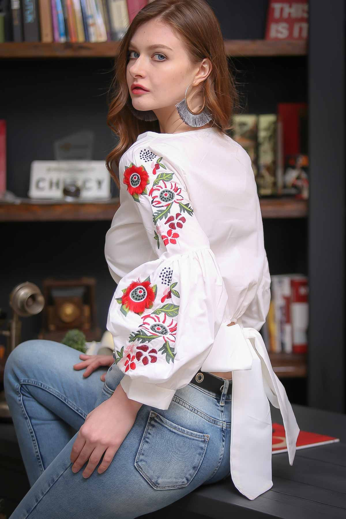 Retro poppies embroidered giant balloon arm connecting bow blouse