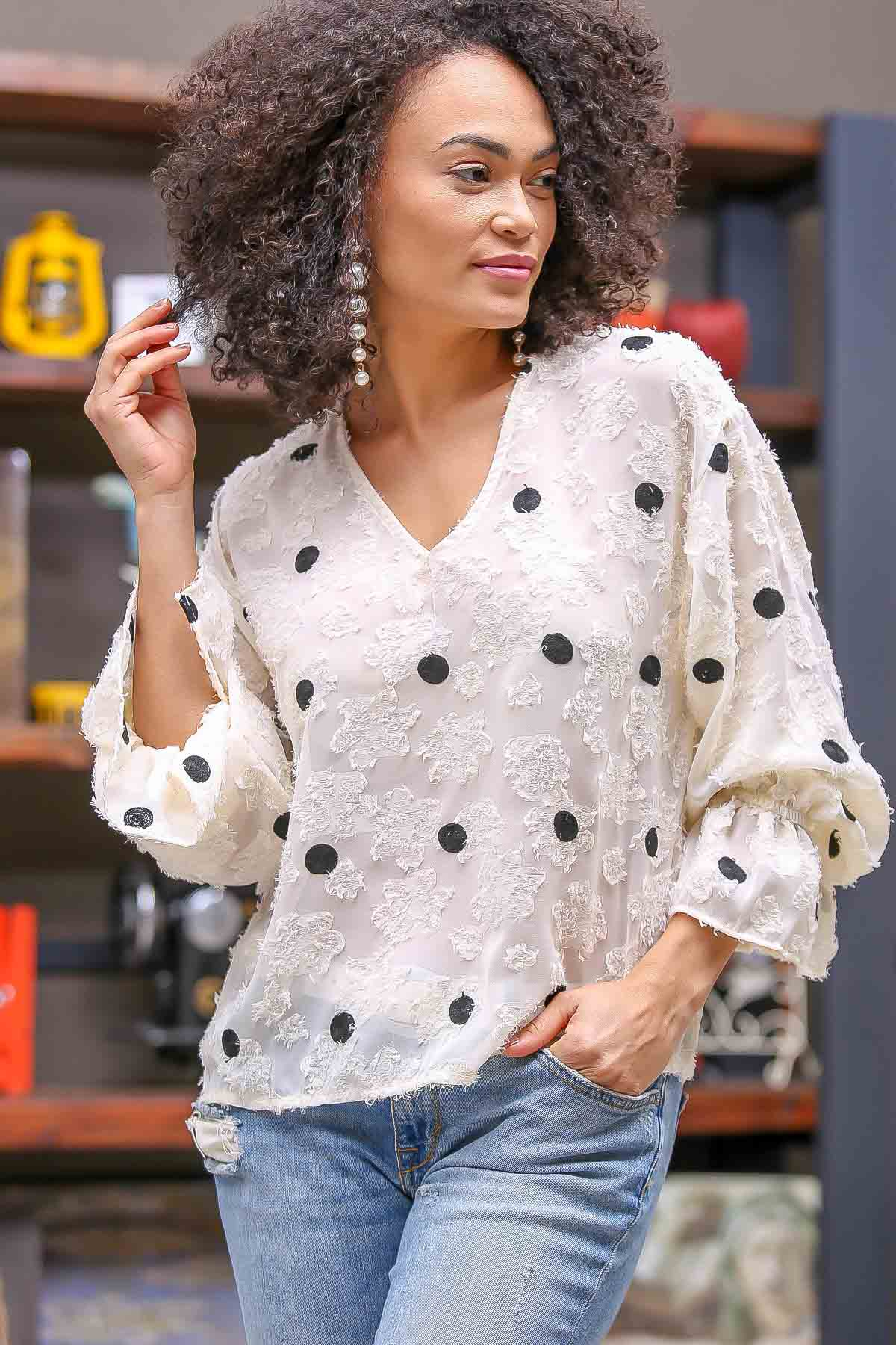 3/4 flute sleeve puff embroidered blouse