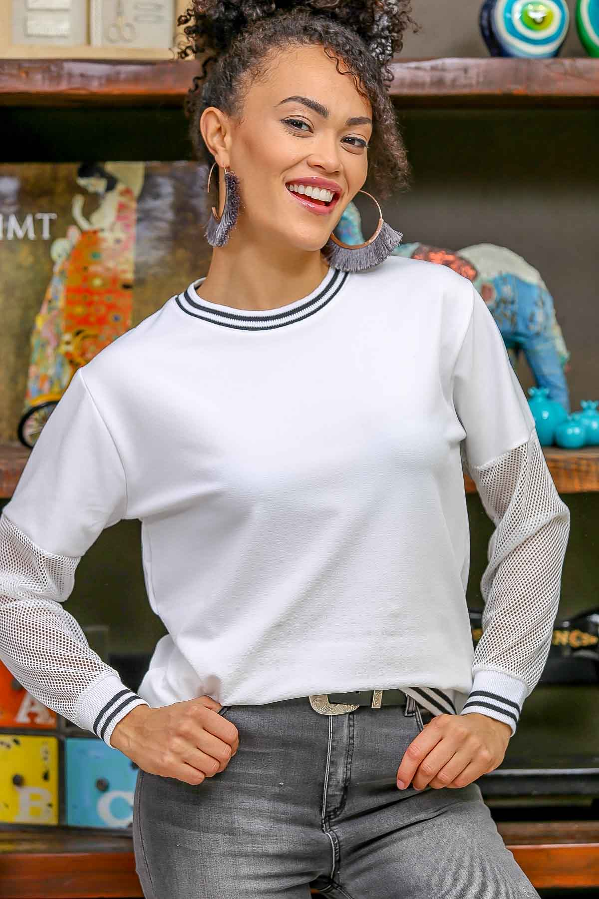 Crew Neck blouse with mesh detailed sleeves