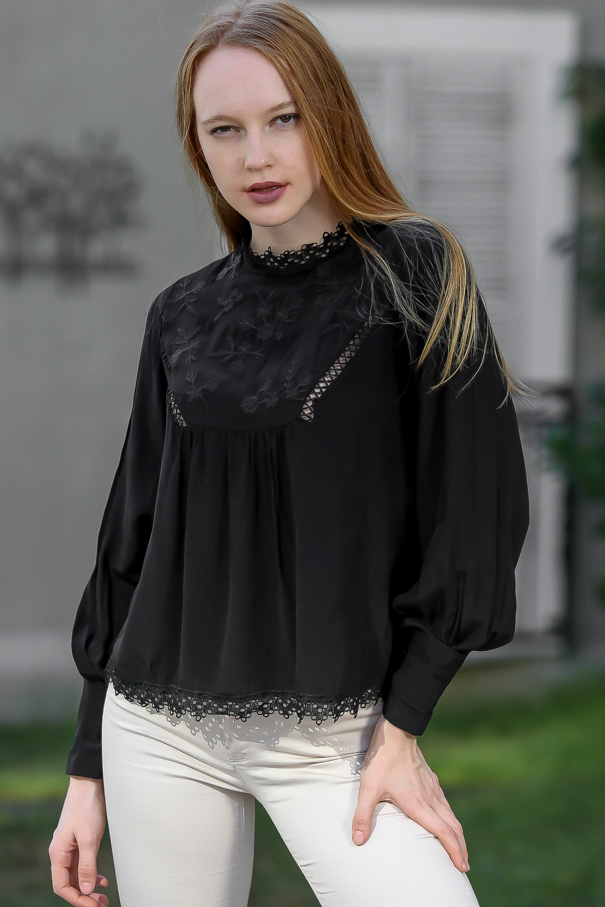 Lace detailed bubble sleeve blouse