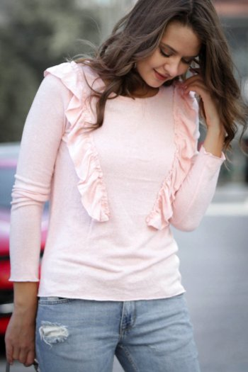 Frilled Crew Neck Knitted Sweater