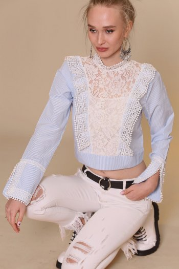 Shirred collar lace detailed back shirt