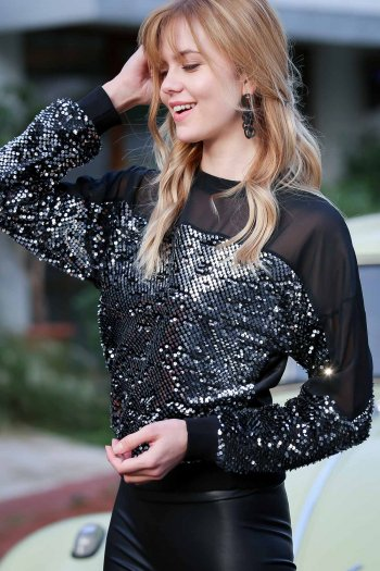 Mesh shoulder detailed sequined blouse