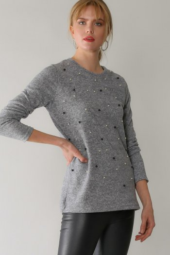 Casual pearl detailed blouse
