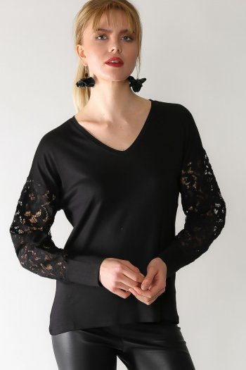 Retro lush detailed sleeves V-neck blouse