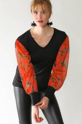 Retro rose-patterned sleeves V-neck blouse