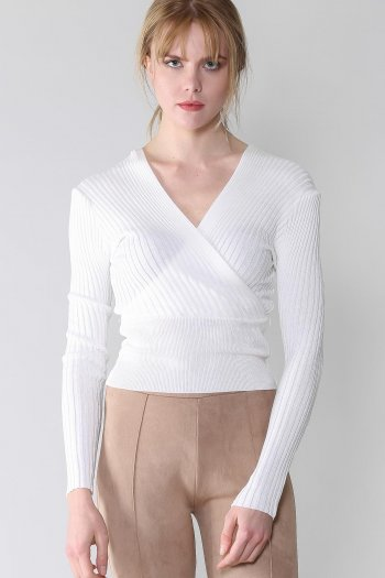 Front and Back V-neck knitwear sweater