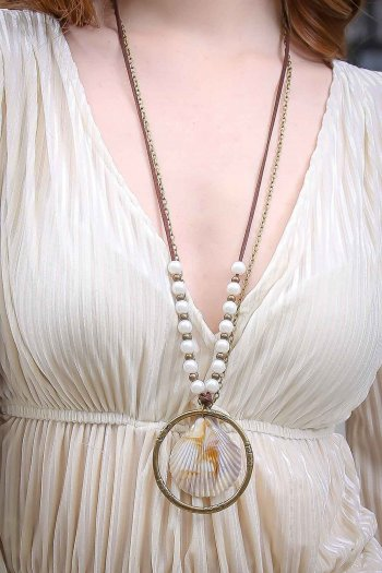 Boheme at the public oyster pearls necklace