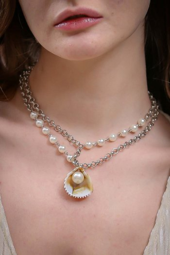 Romantic oyster pearls necklace