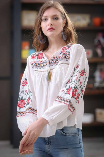 Bohemian ropa arms and roses embroidered blouses binding detailed tassels