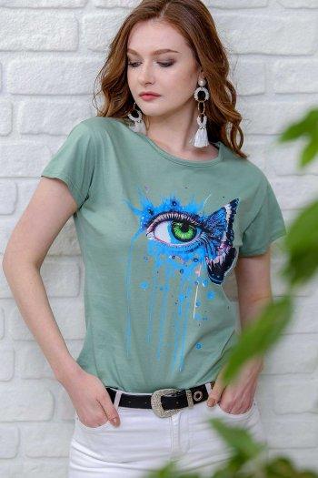 3. giant eye retro printed t-shirts