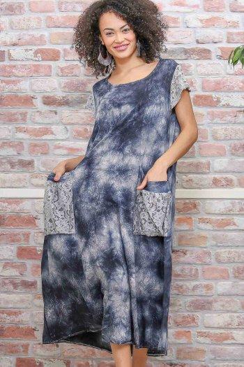 Bohem batik desenli dantel kol ve cep detaylı salaş yıkamalı dokuma elbise