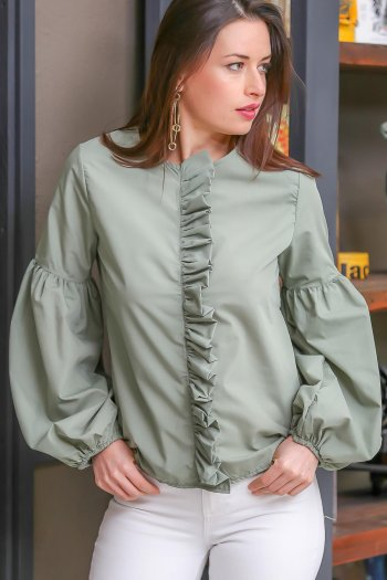 Balloon sleeve ruffle blouse bohemian detail