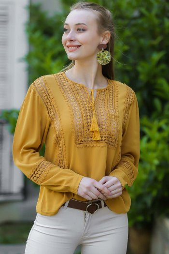 Lace detail, lace blouse
