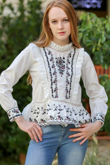 Baroque upright collar embroidered lace hem pleated blouse