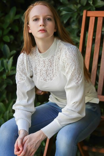 Baroque lace detail shoulder and collar bubble sleeve blouse