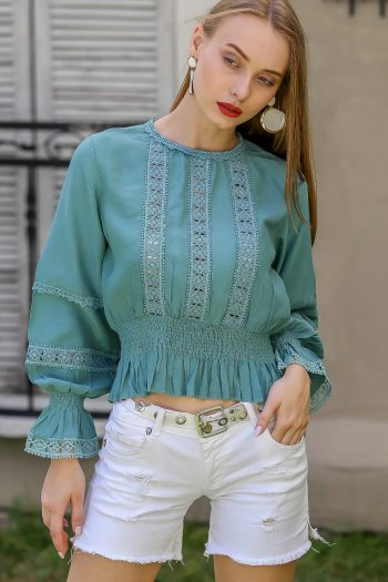 Retro lace detail blouse waist and arms gipel