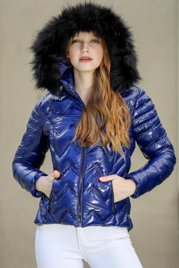 Casual zigzag stitched vegan fur hooded mounted inflatable