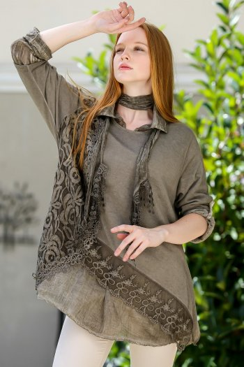 Set of rose pattern knitwear and lacy blouse and scarf