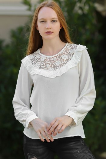 Vintage lace and ruffle detail woven blouse